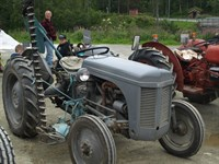 Click to view album: Veterantraktortreff 2012